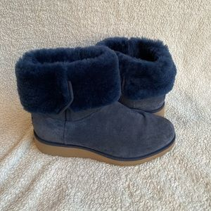💥FLASH SALE💥Navy UGG Boots💥